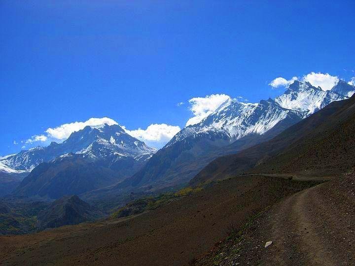 Road to Thorung La Pass